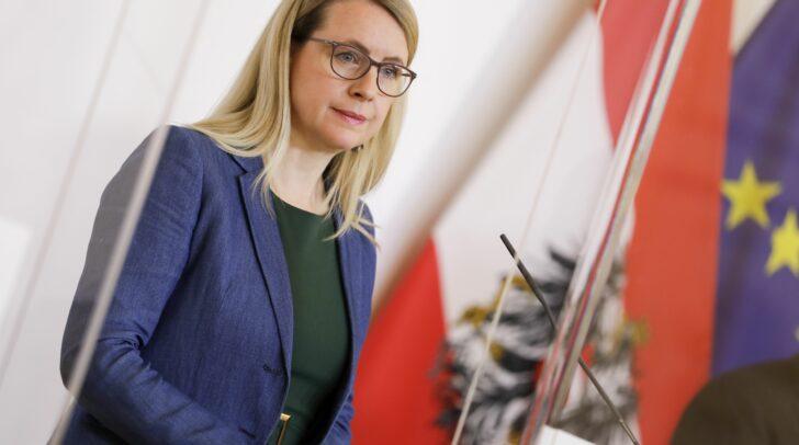 Im Bild: Wirtschaftsministerin Margarete Schramböck.