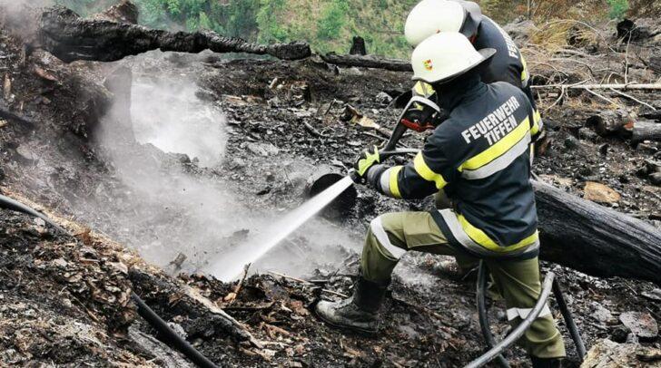Etliche Glutnester mussten in den vergangenen Tagen von den Einsatzkräften beseitigt werden.