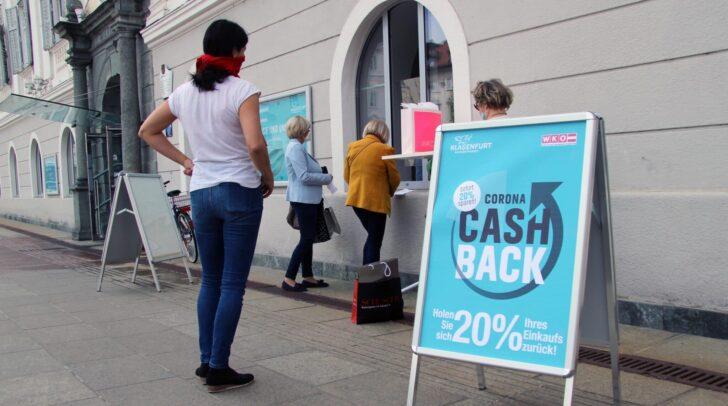 Klagenfurterinnen und Klagenfurter freuen sich über die 20-Prozent- Aktion der Stadt Klagenfurt.