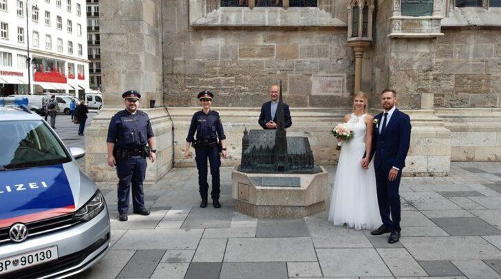 Erst eine Woche vor der Hochzeit hat das Paar erfahren, dass sie gewonnen haben.