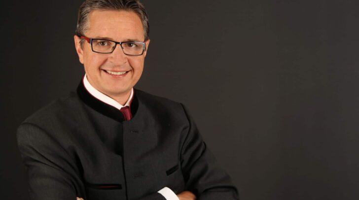 Oliver Barta, Immobilienexperte