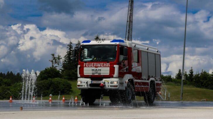 Die Feuerwehren Poggersdorf, Ebenthal, Pischeldorf, Mieger, Timenitz und Zell-Gurnitz nahmen an dem Fahrsicherheitstraining teil.
