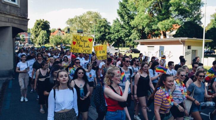 Regenbogenparade 2019: Heuer wird geradelt, um den Mindestabstand einzuhalten.
