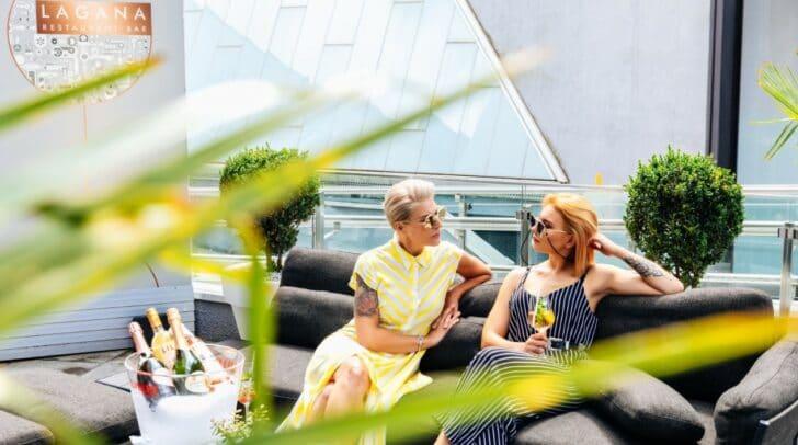 Gemütlich entspannen mit Freunden oder der Familie – beim Très Chic-Brunch im LAGANA.