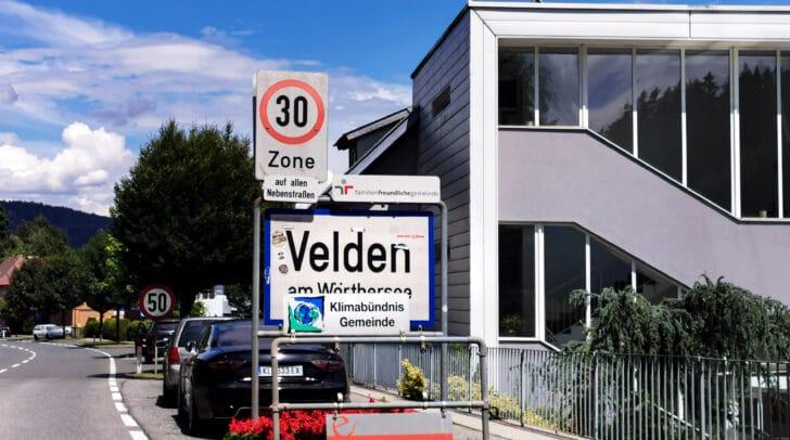 In Velden wurden in der vergangenen Nacht mehrere Verkehrszeichen beschädigt. Außerdem fielen den Tätern noch weitere Gegenstände zum Opfer.