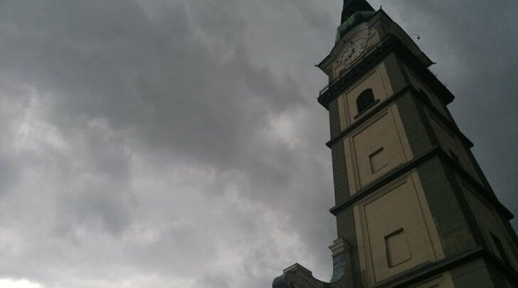 Die teils heftigen Gewitter mit Hagel und Regenschauer sollen sich heute Abend kärntenweit ausbreiten.