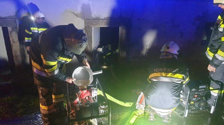 Auch in der Gemeinde Frantschach - St. Gertraud wurden mehrere Fichten entwurzelt und stürzten auf das Dach eines Einfamilienhauses.