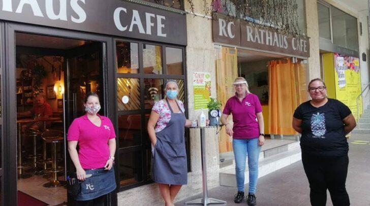 Zum Schutz der Gäste wird im Villacher Rathauscafé freiwillig mit Maske gearbeitet.