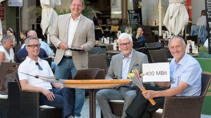 """""""Mit 400 MBit Gratis-Bandbreite beim kostenlosen öffentlichen W-LAN unterstreichen wir einmal mehr unseren Ruf als führende Hightech-Stadt"""", betont Bürgermeister Günther Albel."""