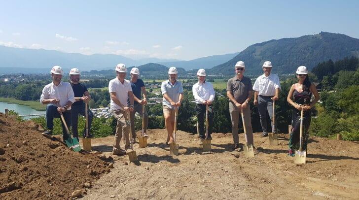 """Heute erfolgte der Spatenstich für das """"Bella Vista"""" Bauprojekt in Annenheim."""