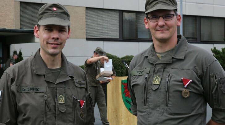 Kompaniekommandant Hauptmann Axel Stupnik und sein Stellvertreter Hauptmann Andreas Kopp
