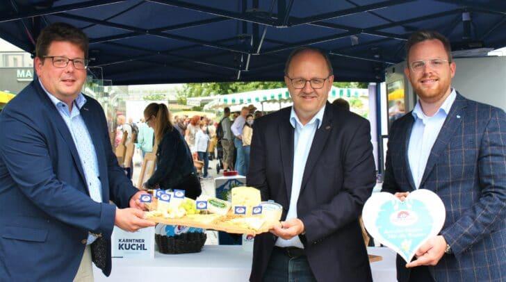 Marktreferent Stadtrat Christian Pober mit Helmut Petschar, Geschäftsführer von Kärntnermilch und Christian Jaritz, Leiter der Verkaufsabteilung bei Kärntnermilch