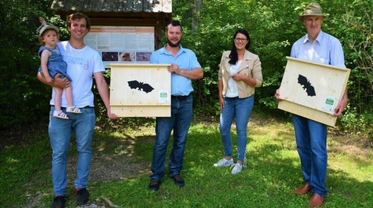 v.l.n.r.: Naturpark Ranger Julian Kogler (mit Klara); Alexander Rachoi (Naturpark Rat), Landesrätin Mag.a Sara Schaar, Mag. Klaus Krainer (Arge NATURSCHUTZ)