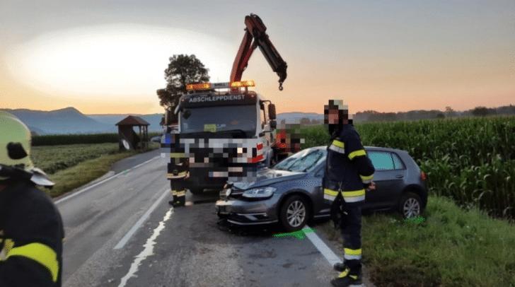Der Lenker verlor in einer leichten Linkskurve die Kontrolle über sein Fahrzeug.