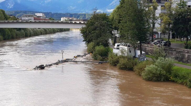 Die heftigen Gewitter verursachten viele Schäden. Neben Murenabgängen, überfluteten Kellern und umgestürzten Bäumen wurde auch die
