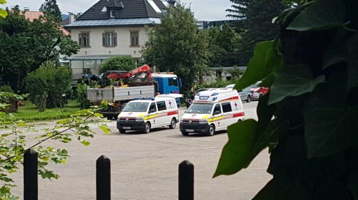 Das Rote Kreuz testet jene Personen, die auf der Gartenparty waren.