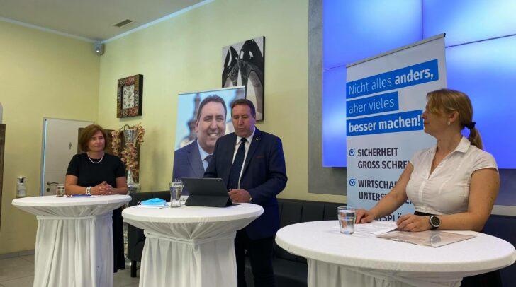 Bei der Pressekonferenz wurde der Rücktritt von ÖVP-Stadtrat Christian Pober gefordert.