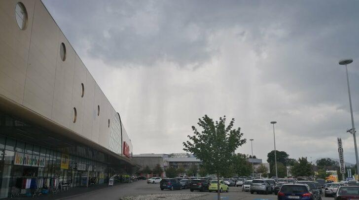 Der Schnappschuss einer 5-Minuten-Leserin zeigt, wie Regenfälle in Richtung der Landeshauptstadt ziehen.