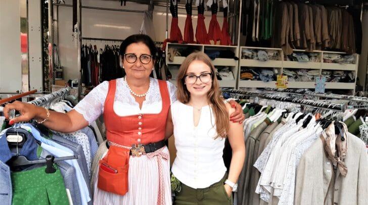 Edith Haslinger mit Tochter Laura sind am Monatsmarkt vertreten.