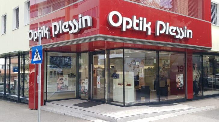 Bei Optik Plessin in Villach kannst du besondere Brillenraritäten entdecken.
