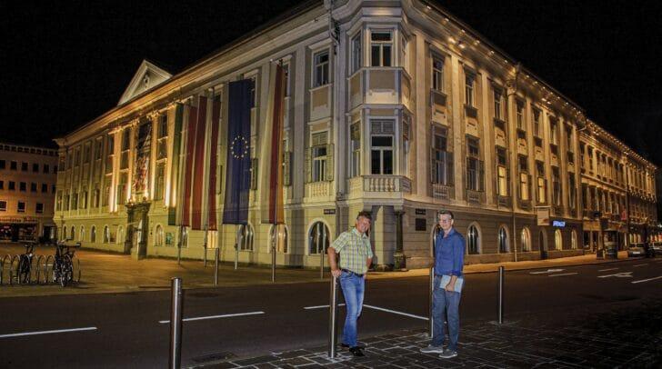 Straßenbaureferent Stadtrat Christian Scheider und Gottfried Mirnig, der das Projekt in der Abteilung Straßenbau und Verkehr begleitet hat.