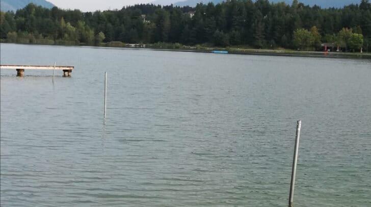 Die Tafeln, die den Nichtschwimmerbereich anzeigen, wurden zum wiederholten Mal gewaltsam entfernt.