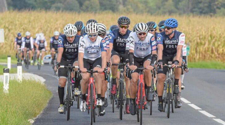 Rund 100 Radfahrer stellten sich trotz schlechten Wetters der Herausforderung der FUGA 300.