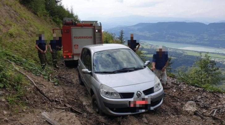 Das steckengebliebene Fahrzeug konnte am Sinacher Gupf lokalisiert werden.