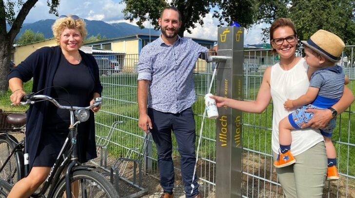 Vizebürgermeisterin Irene Hochstetter-Lackner, Gemeinderat Christopher Slug und Wasserreferentin Katharina Spanring mit Sohn Gabriel