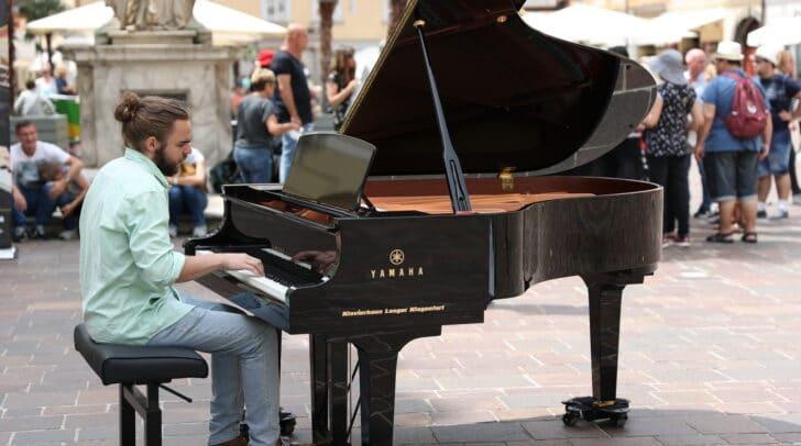 Von 2. bis 5. September steht der hochwertige Flügel vom Klavierhaus Langer wieder am Alten Platz in Klagenfurt.