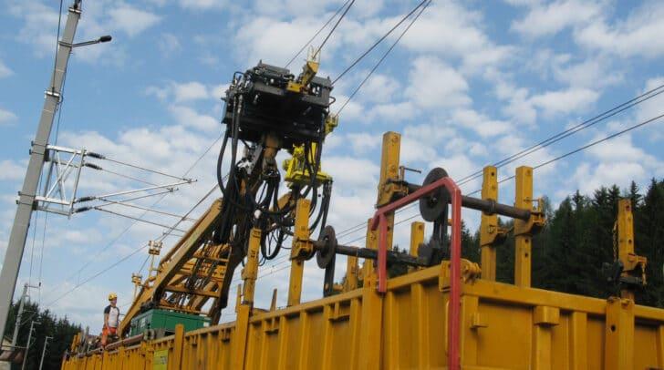 Oberleitungsarbeiten und letzte Tests vor der Inbetriebnahme führen zu einer Streckensperre zwischen Klagenfurt und Bleiburg.