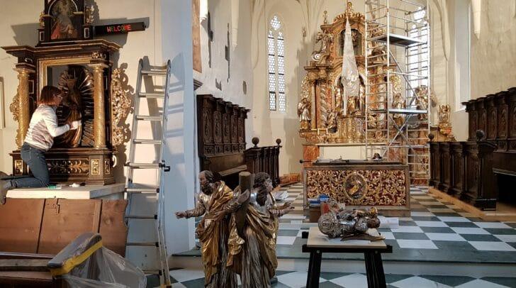 2019 wurde das Innere der Pfarrkirche Saak restauriert.