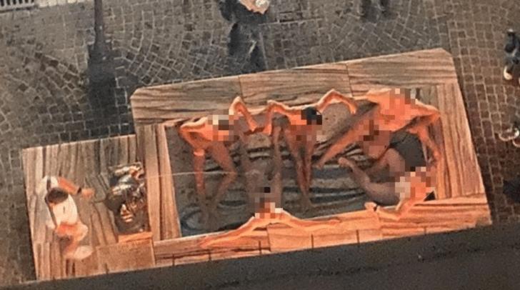 Die Männergruppe saß splitterfasernackt im Brunnen des Wörtherseemandl's