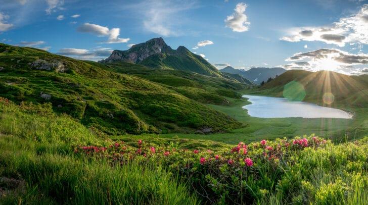 Das neue Konzept soll unter anderem die Kombination von Bergen und Seen wiederspiegeln.
