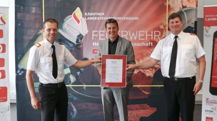 Landesfeuerwehrkommandant Rudolf Robin, Feuerwehrreferent Landesrat Daniel Fellner und Klaus Tschabuschnig, Leiter der Landesfeuerwehrschule.