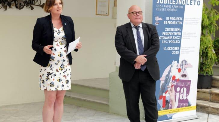 Im Bild: Caroline Steiner (LMK) und Igor Pucker (Leiter Kulturabteilung).