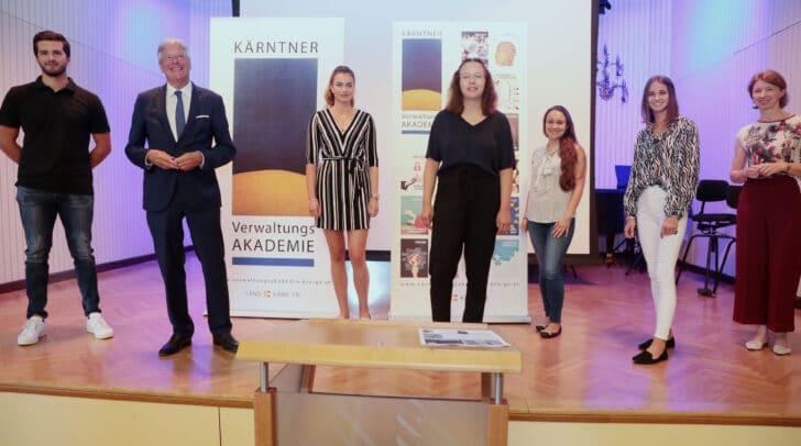 LH Peter Kaiser und LH-Stv.in Gaby Schaunig mit PraktikantInnen
