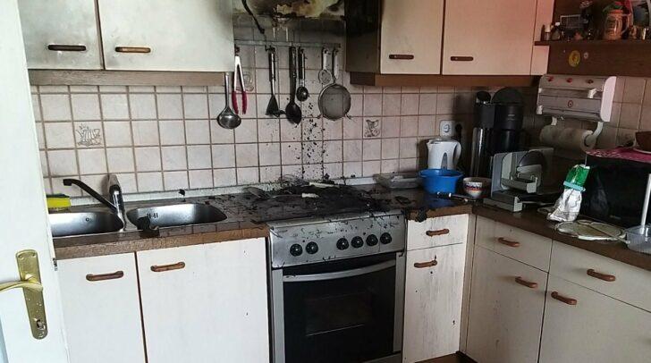 Ein Teilbereich der Küche stand in Flammen.