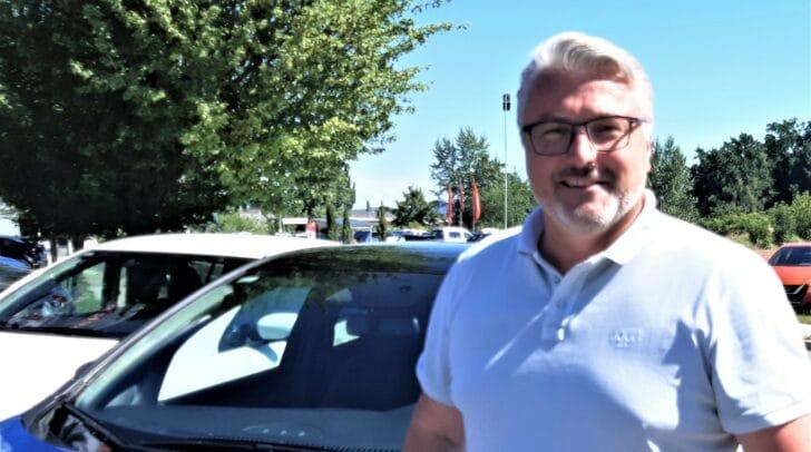 Martin Sintschnig von Autohaus Sintschnig ist von den Vorteilen der Elektroautos überzeugt.