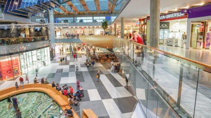 Beim Abendshopping am 1. Oktober kannst du im ATRIO bis 21 Uhr nach Herzenslust shoppen.
