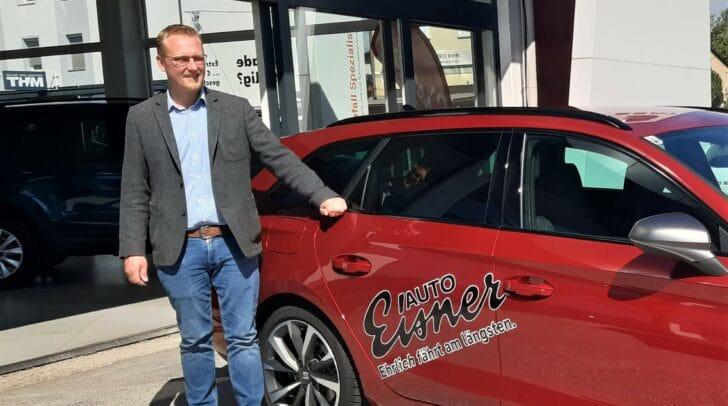 Verkaufsleiter Michael Josef Muhrer freut sich gemeinsam mit seinem Team auf deinen Besuch.