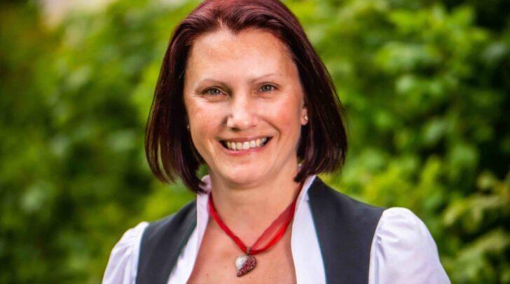 Die künftige Bürgermeisterin von Feld am See, Michaela Oberlassnig, befindet sich wegen eines positiven Corona-Tests aktuell in Quarantäne.