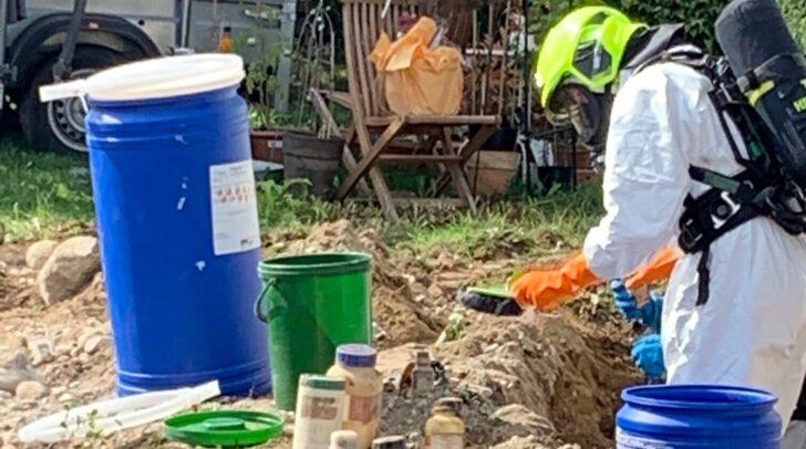 Im Zuge von Sanierungsarbeiten wurden am Samstag über 20 verschiedene Chemikalien und diverse Gifte ausgegraben.