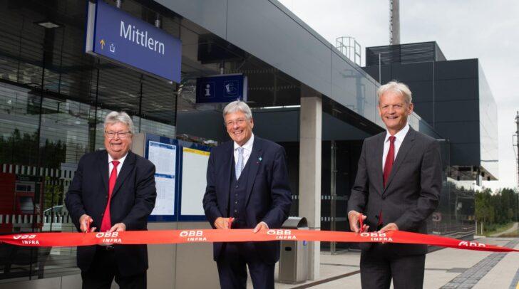 Am Bild: Bürgermeister von Eberndorf, Gottfried Wedenig, Landeshauptmann Peter Kaiser und Franz Bauer, Vorstandsdirektor der ÖBB