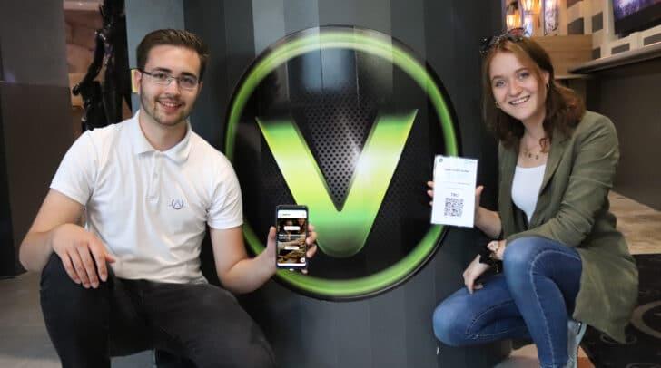 Gemeinsam sicher: Jungunternehmer Christian Aichner und V-Club-Junior-Chefin Larissa Ouschan.