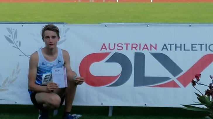 Tobias Steindorfer mit seiner Silbermedaille