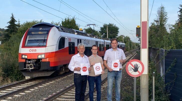 Die FPÖ-Gemeindevorstände dreier Gemeinden – Seppi Krammer (Maria Saal), Markus Di Bernardo (Wernberg) und Bernhard Gräßl (Moosburg) – kritisieren die Vorgangsweise der Landesregierung scharf und kündigen gemeinsame Aktionen an.