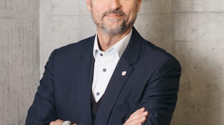 Richard Oswald, Center-Manager im ATRIO, hofft, dass sich die Kundinnen und Kunden an die Regelungen der Bundesregierung halten.