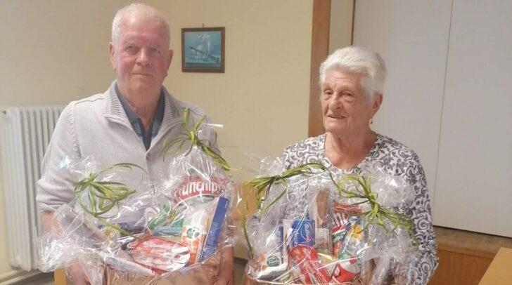 Die Gewinner konnten sich über prall gefüllte Geschenkskörbe freuen.