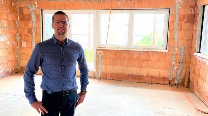 Michael Wolfger verfügt über ein breites Fachwissen zur Immobilienvermietung und betriebswirtschaftlichen Fragen.